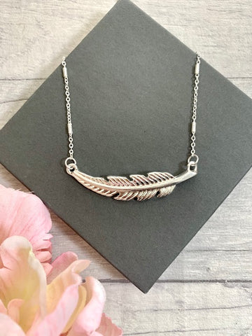 Short Feather Necklace