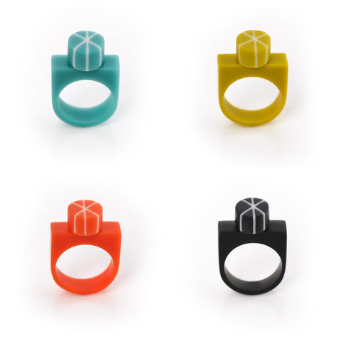 Colourful geometric statement rings