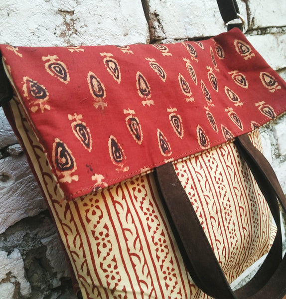 Kalamkari Fold Over