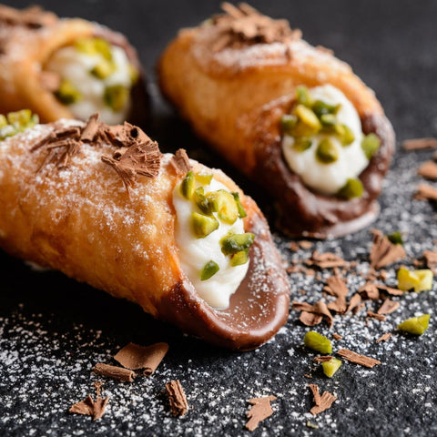 Pistachio Chocolate Cannoli