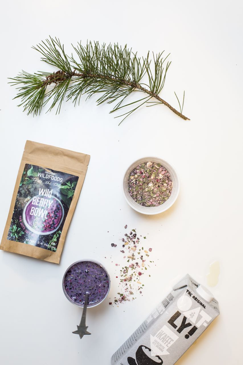 picture of Helsinki Wildfoods' 'Just Add' Wild Berry Bowl raw porridge