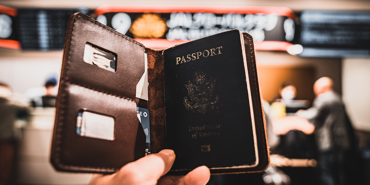 trayvax-passport-explorer-wallet-tsa-approved