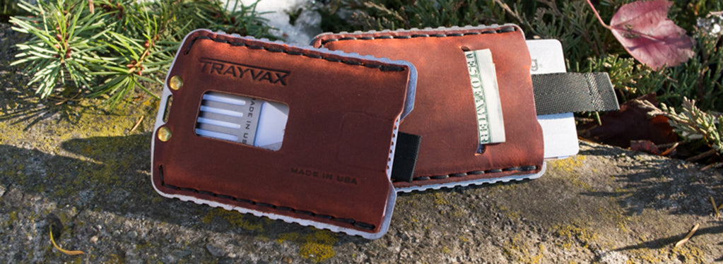 Trayvax Ascent Canyon Red wallet front and back
