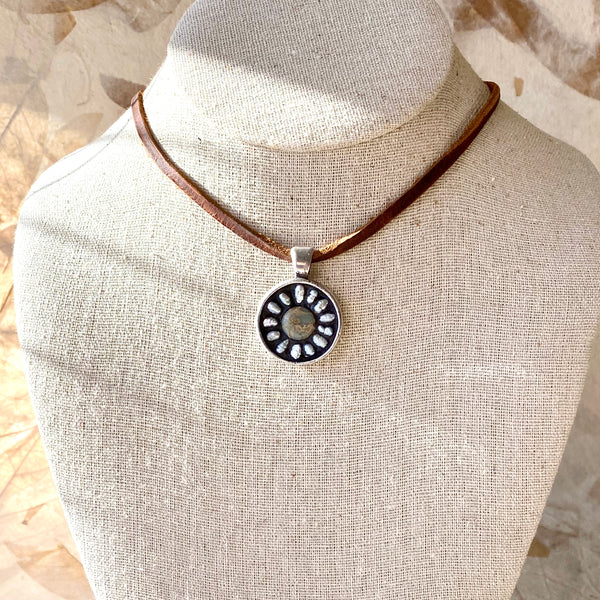 """Earthy Daisy in a Circle"" Mosaic Pendant Necklace (1261)"