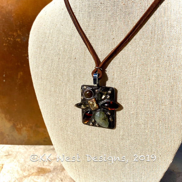 """Big Vintage Bee"" One-of-a-Kind Mosaic Pendant Necklace (1262)"