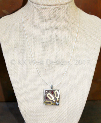 """Brass Chain & Rhinestone Flower"" (D1126) Square Mosaic Pendant Necklace"