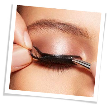 artemes eyelash application