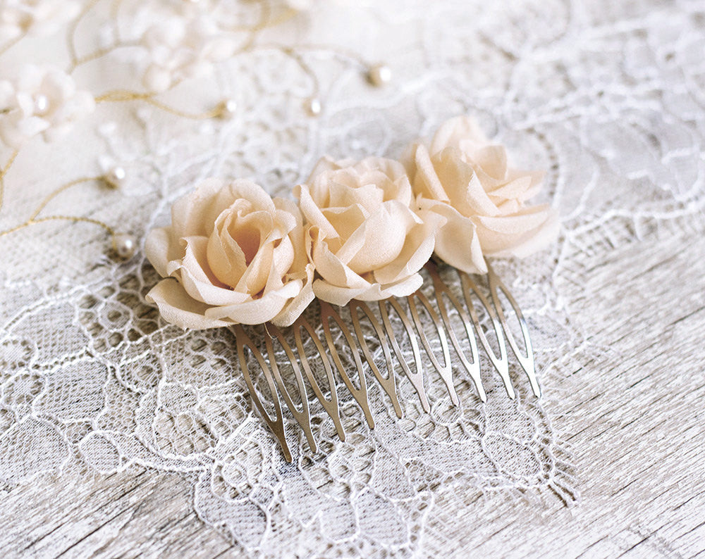 71_Beige hair comb, Champagne hair accessories, Hair comb flowers, Floral hair accessories, Hair combs, Flower hair comb, Rose hair comb.