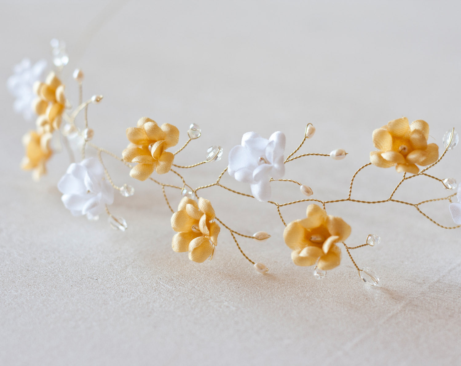 51_Gold crown, White flower crown, Wedding hair accessories, Floral ...