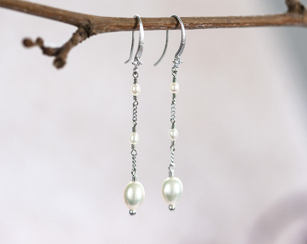 657_Pearl earrings, Silver earrings, Bridesmaid gift, Wedding earrings, Bridal jewelry, Original bridesmaid gift, Bridesmaid jewelry, Gifts.