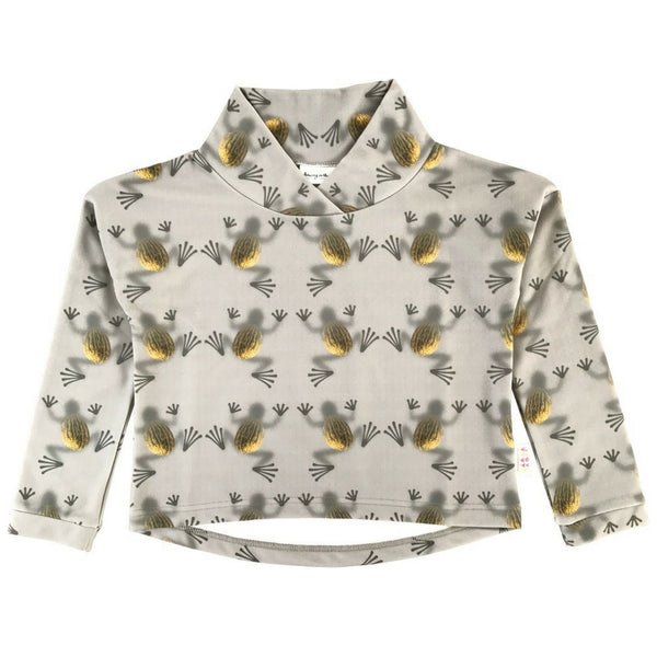 Goose Top in Melon Frogs Print