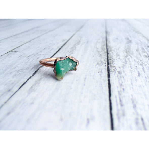 Chrysoprase ring | Raw chrysoprase crystal ring | Green chrysoprase and copper ring | May birthstone ring | May birthstone jewelry