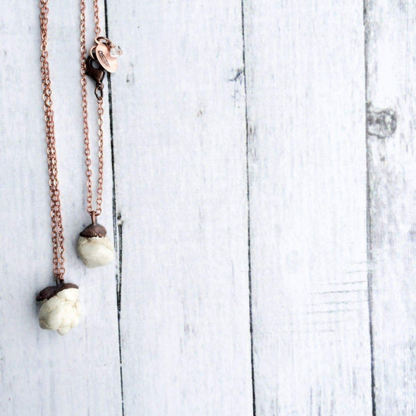 Howlite necklace | Howlite crystal necklace | Raw Howlite pendant on copper chain NECKLACES