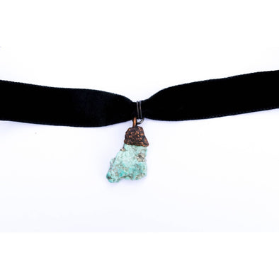 Velvet crystal necklace | Raw crystal jewelry | Velvet crystal choker LEATHER/VELVET NECKLACES