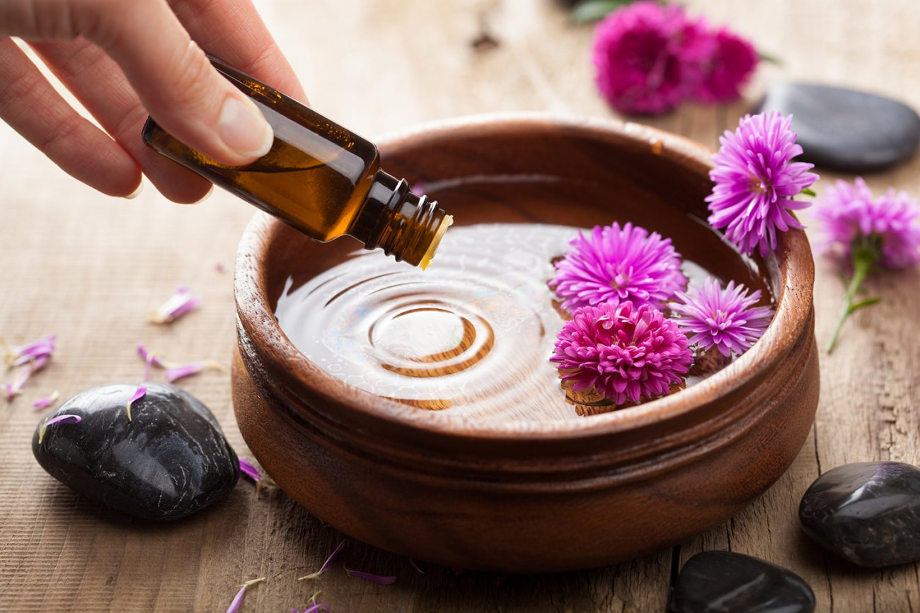 What is aromatherapy and how it can benefit your health and wellness
