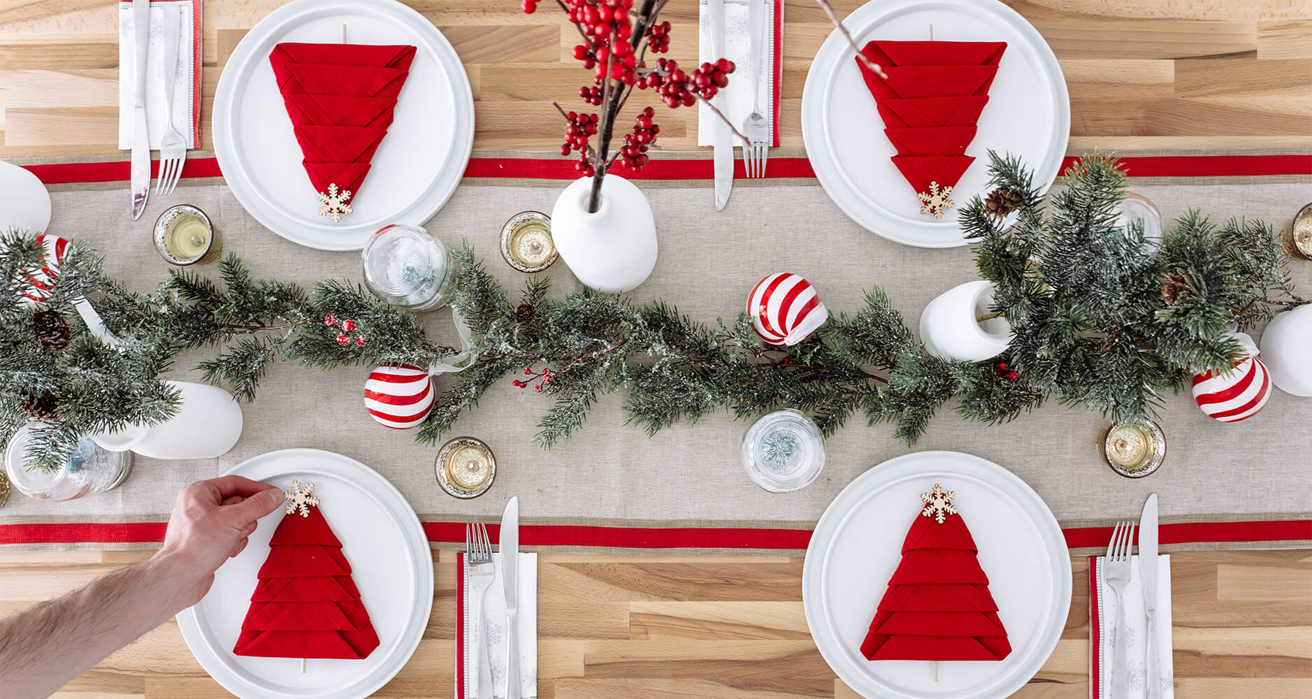 eco-friendly christmas lunch table