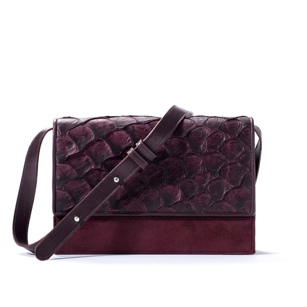pirarucu handbag in bordeaux with crossbody strap