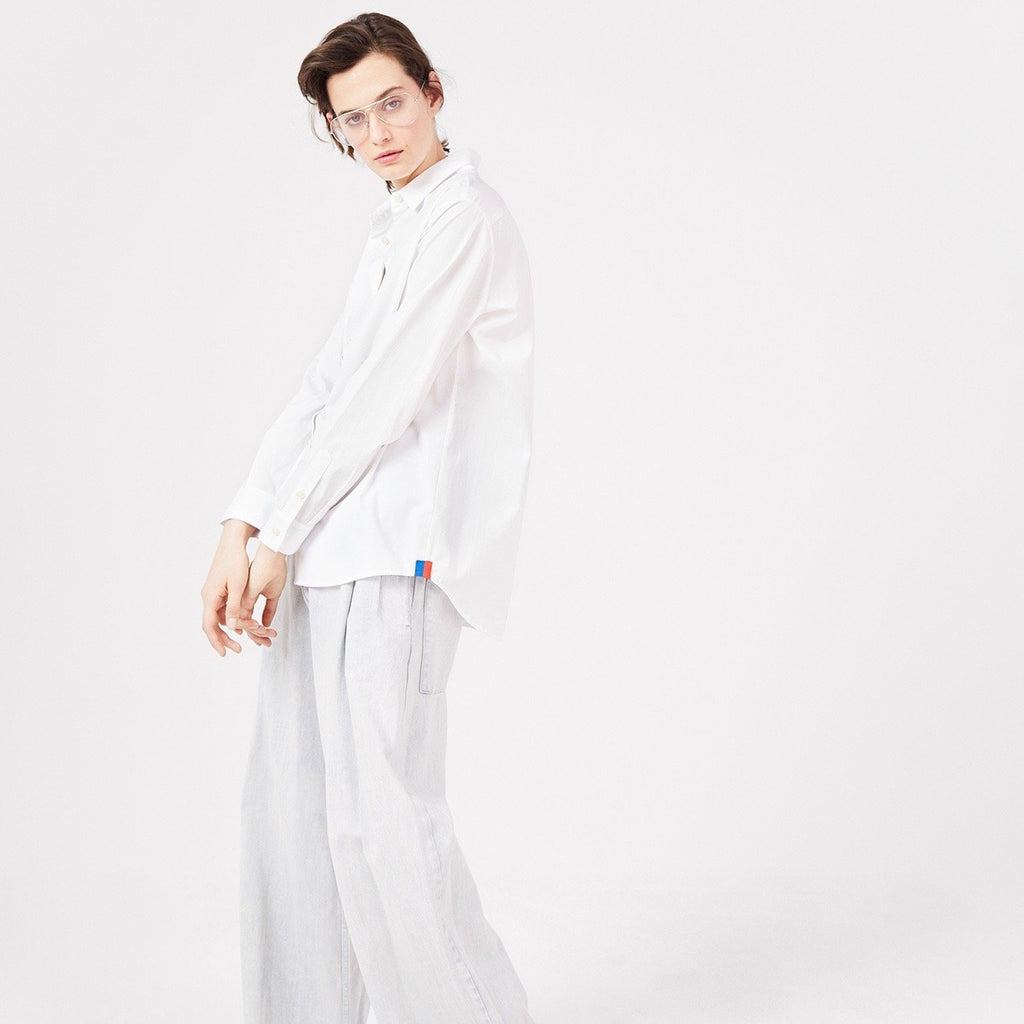 The Hutton Oversize Shirt - White on Model 4