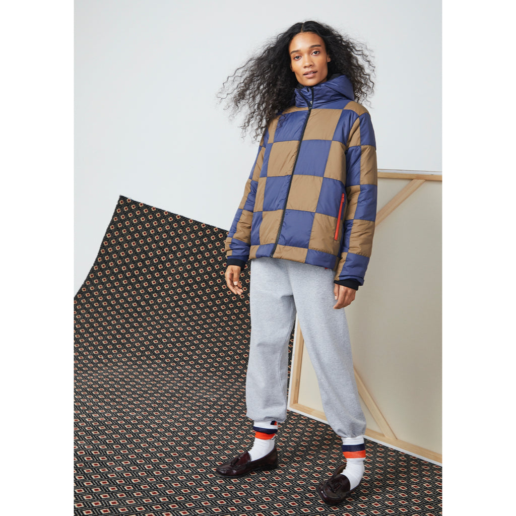 The Checkered Puffer - Navy/Brown