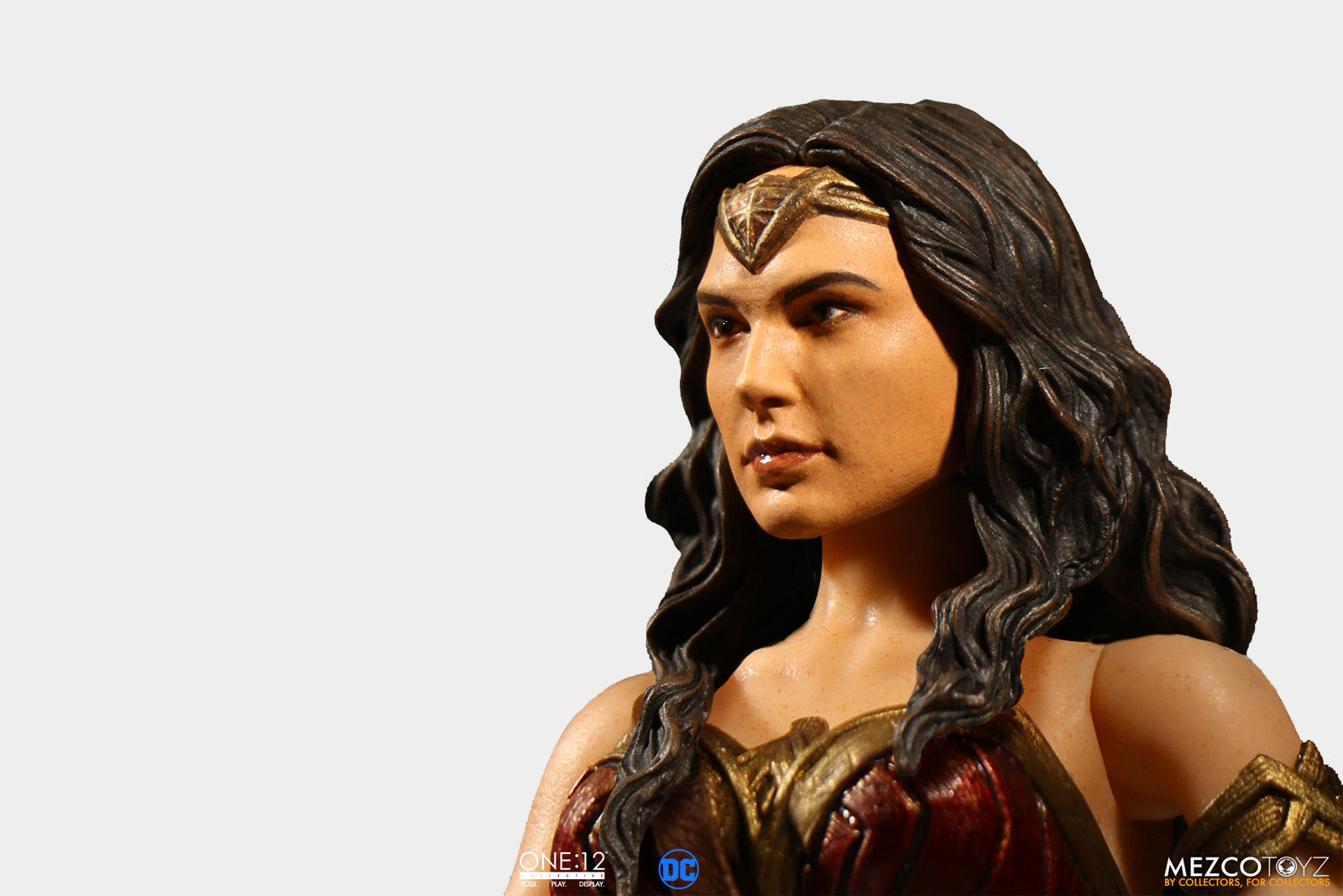 Mezco Toyz - 1:12 Collective DC Universe Wonder Woman Figure Promotional Images and Info - Release Date: Fall 2017