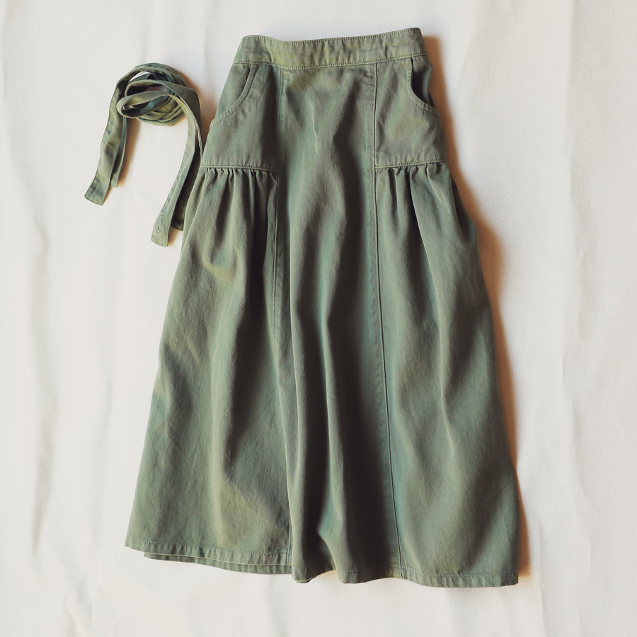 Green Children's Ankle Length Skirt Adjustable Straps Pockets Bow 100% Cotton