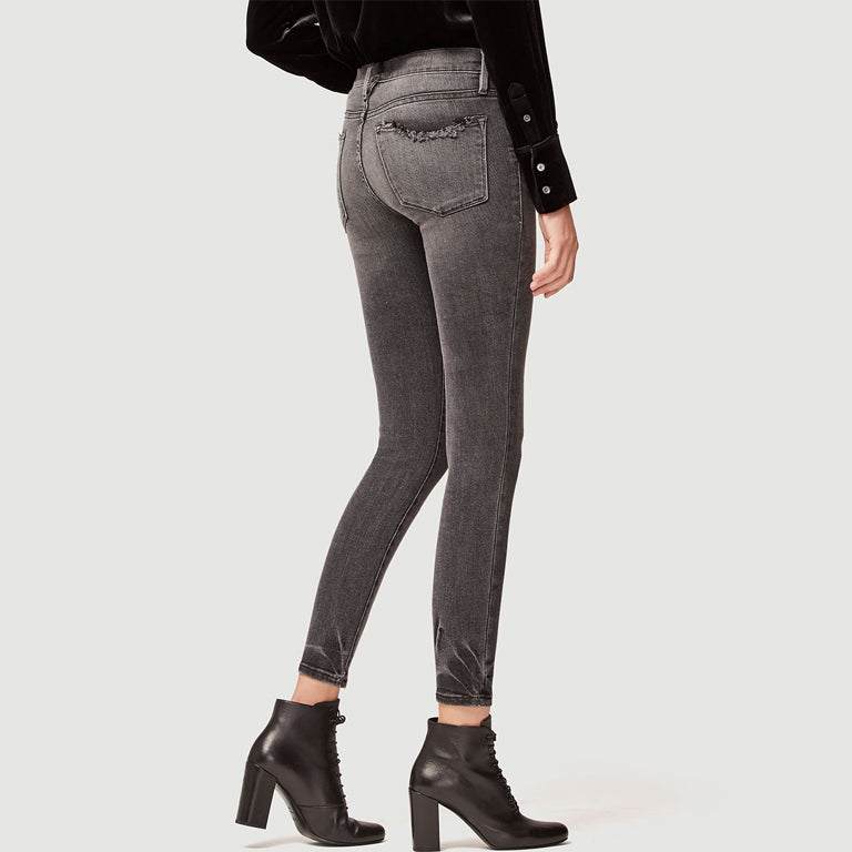 Woman wearing Le Skinny De Jeanne by Frame in Grey