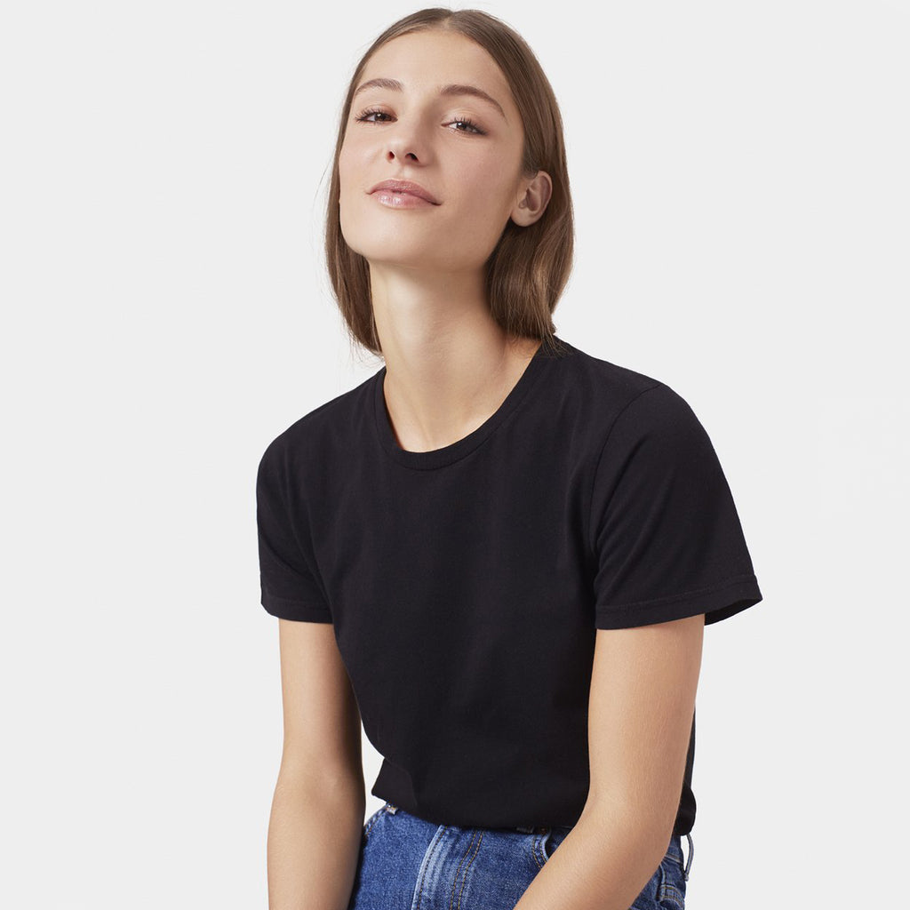 Woman wearing the Classic Organic Light tee in Black by Colorful Standard