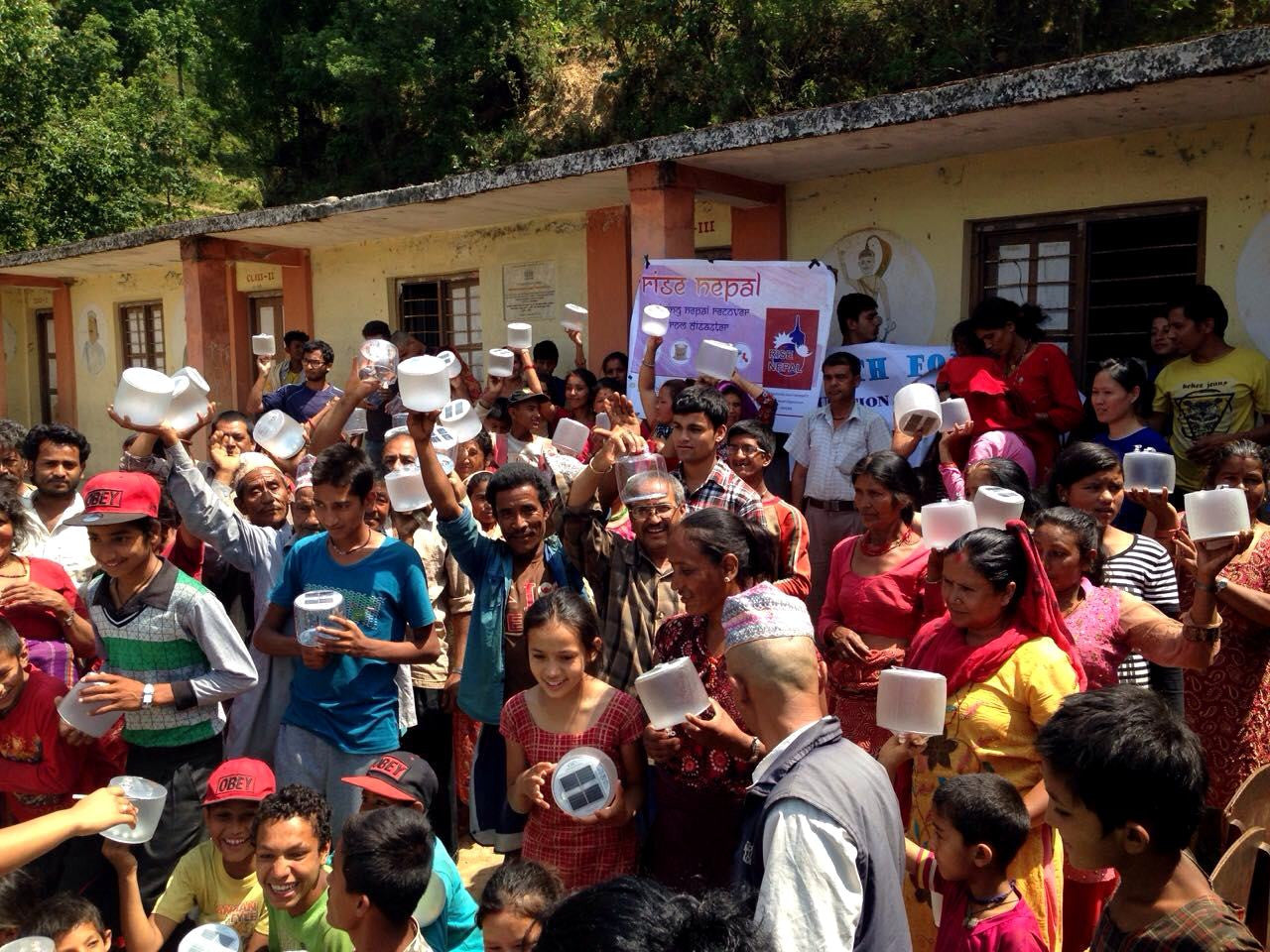 MPOWERD Delivers Over 2,000 Solar Lights to Victims of Nepal Earthquake