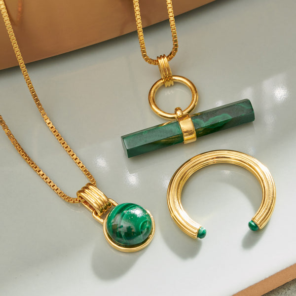 Round Malachite Cabochon Gold Necklace