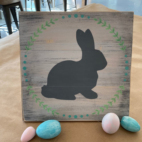 Bunny with Wreath: SQUARE DESIGN