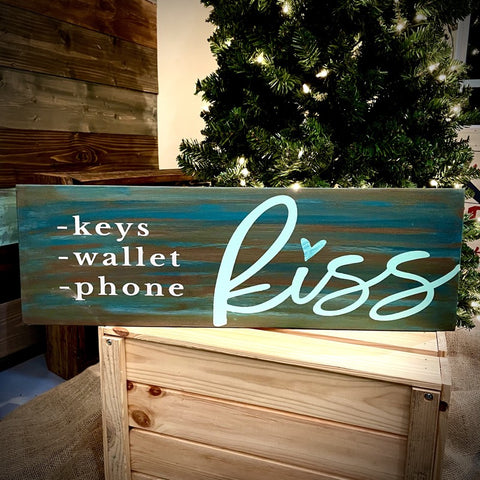 Keys Wallet Phone KISS: Plank Design