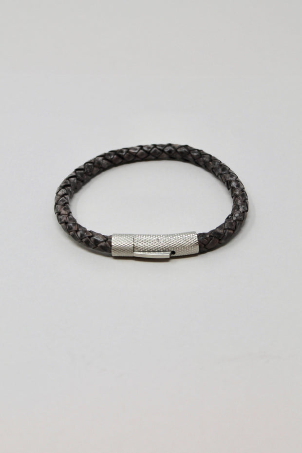 Stelck Leather Strap • Stainless Steel Clasp