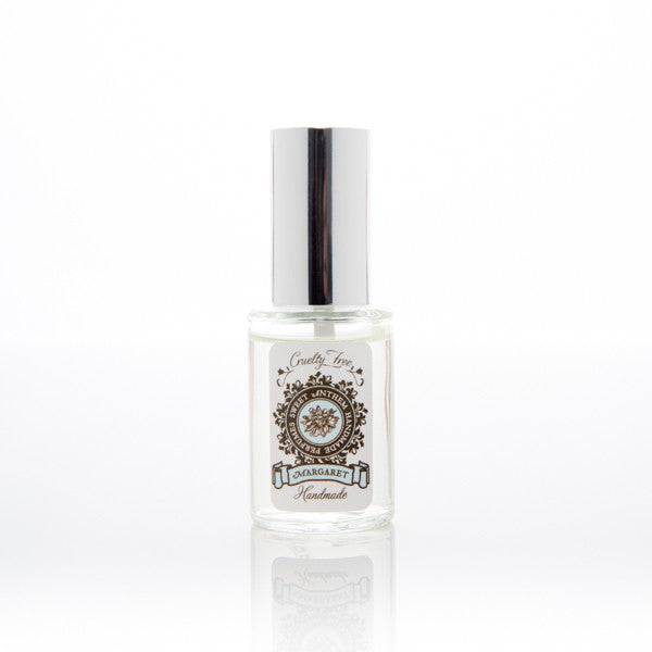 Margaret - rose otto, velvety vetiver & white tea...