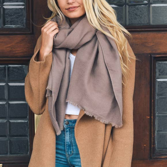 LETO A. SOLID BLANKET SCARF