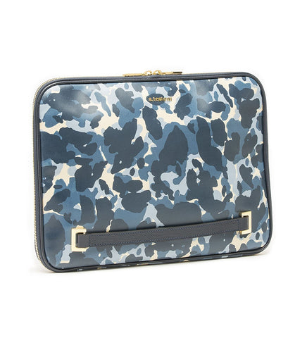 DOCUMENT CASE IN CAMOUFLAGE LEATHER.