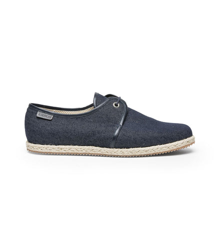 LACE-UP DENIM SHOE.