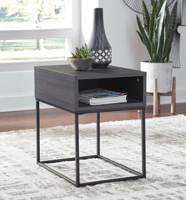 Yarlow End Table - MJM Furniture