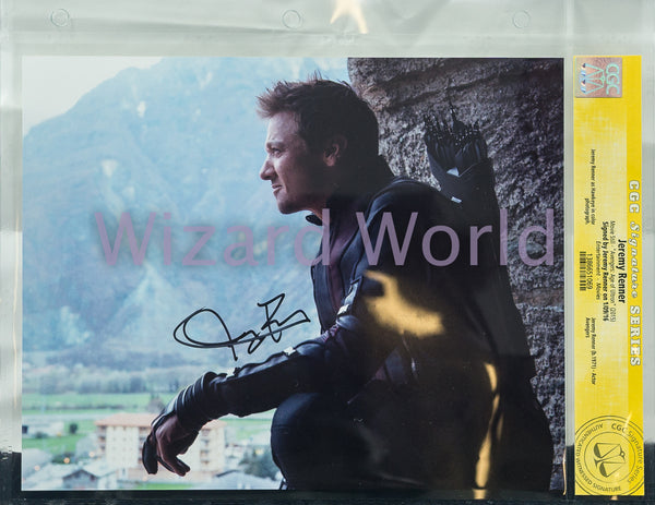 Avengers Jeremy Renner CGC Signed Photo -- Horizontal