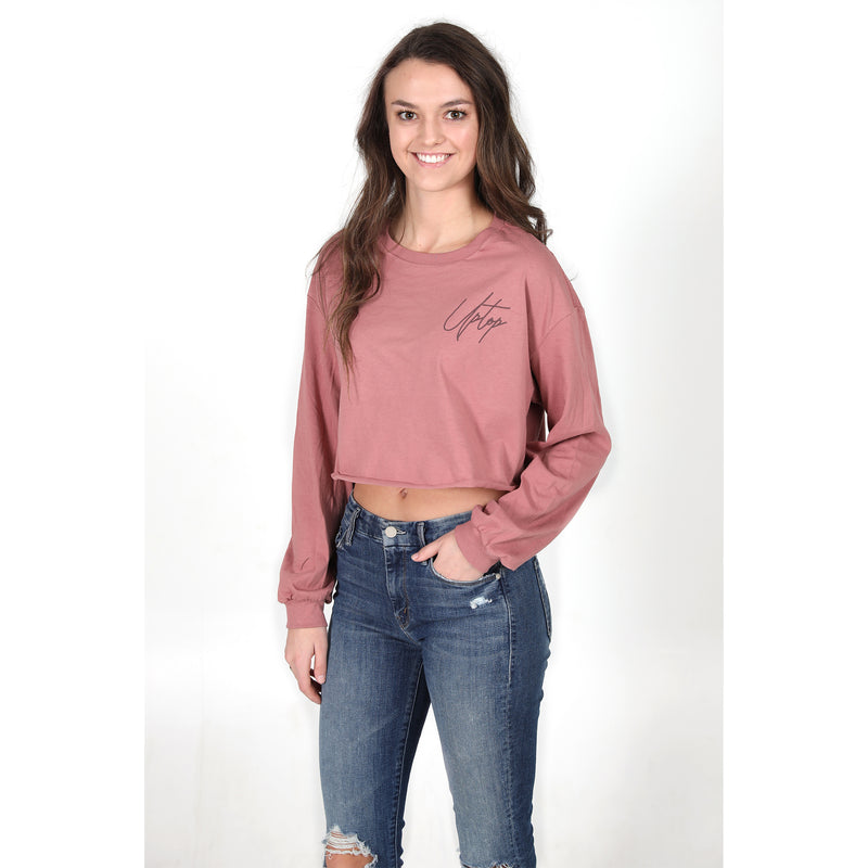 UPTOP SCRIPT CROPPED LONG SLEEVE