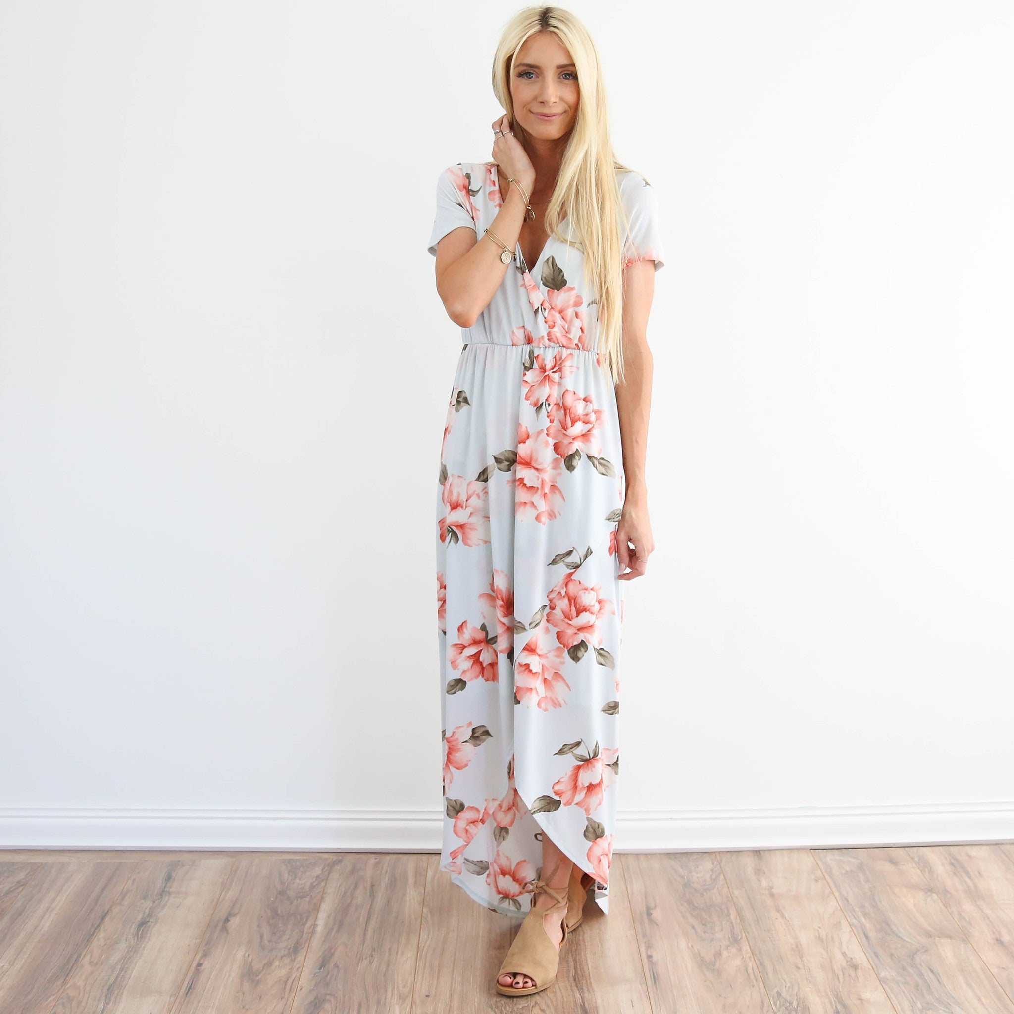 Verano Floral Dress in Light Blue