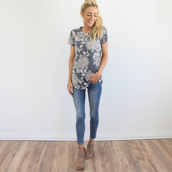 Kimi Floral Top in Navy