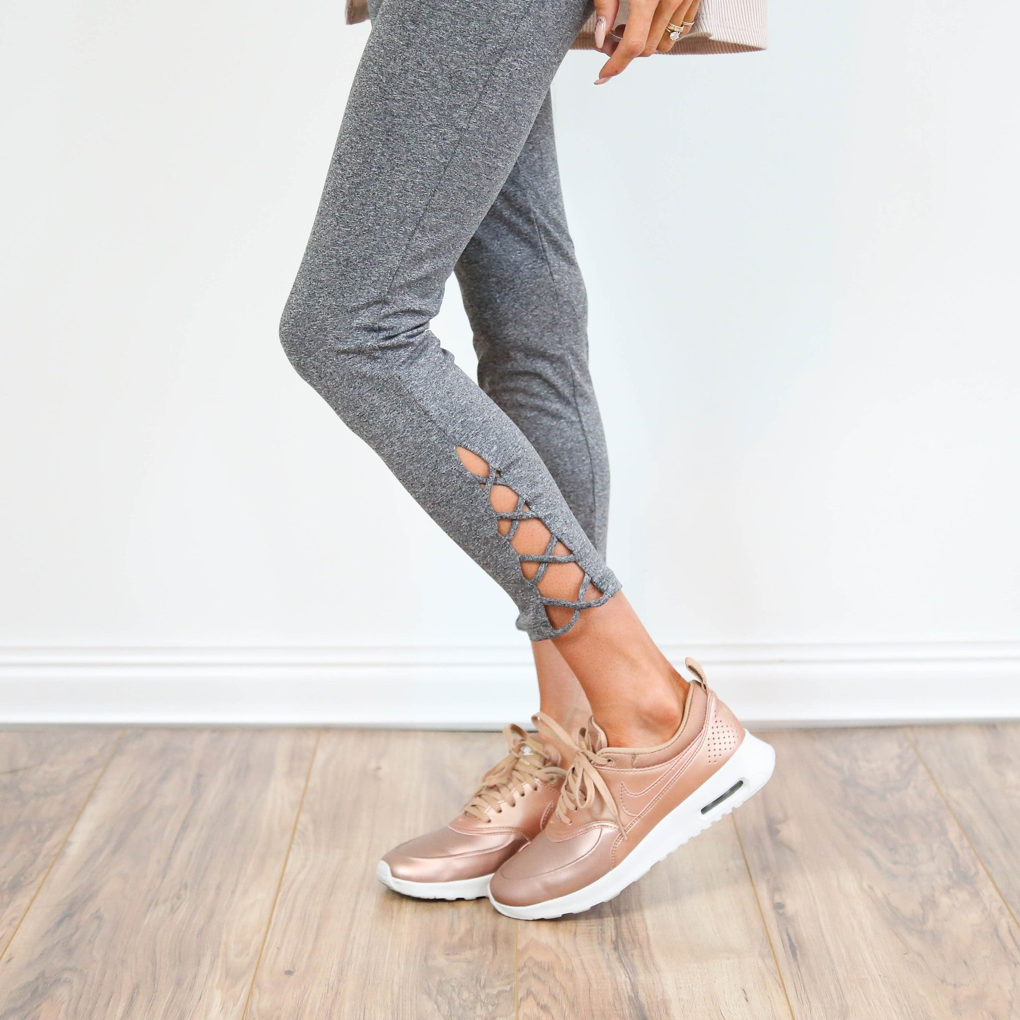 Criss Cross Ankle Legging