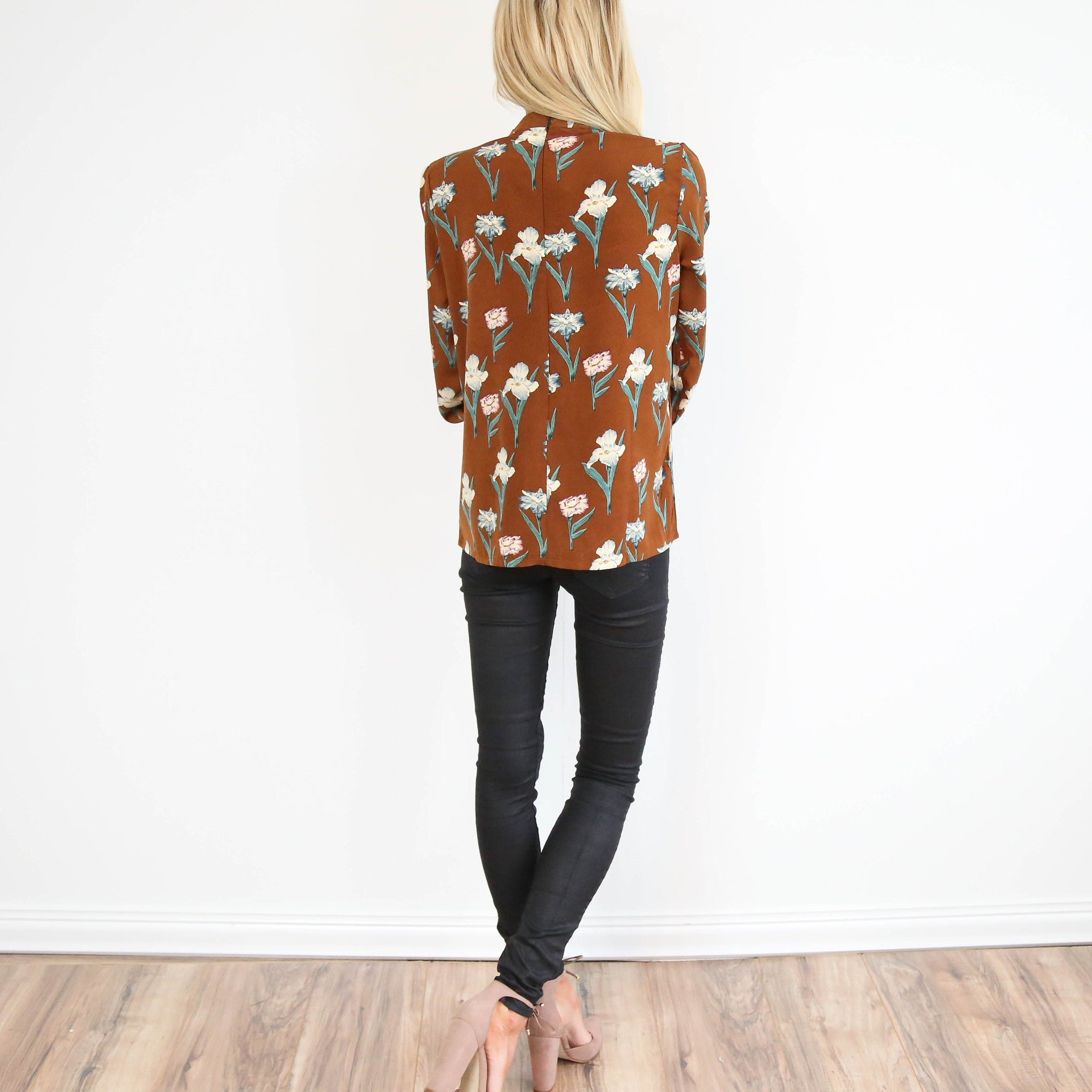 Shawna Floral Top in Brown