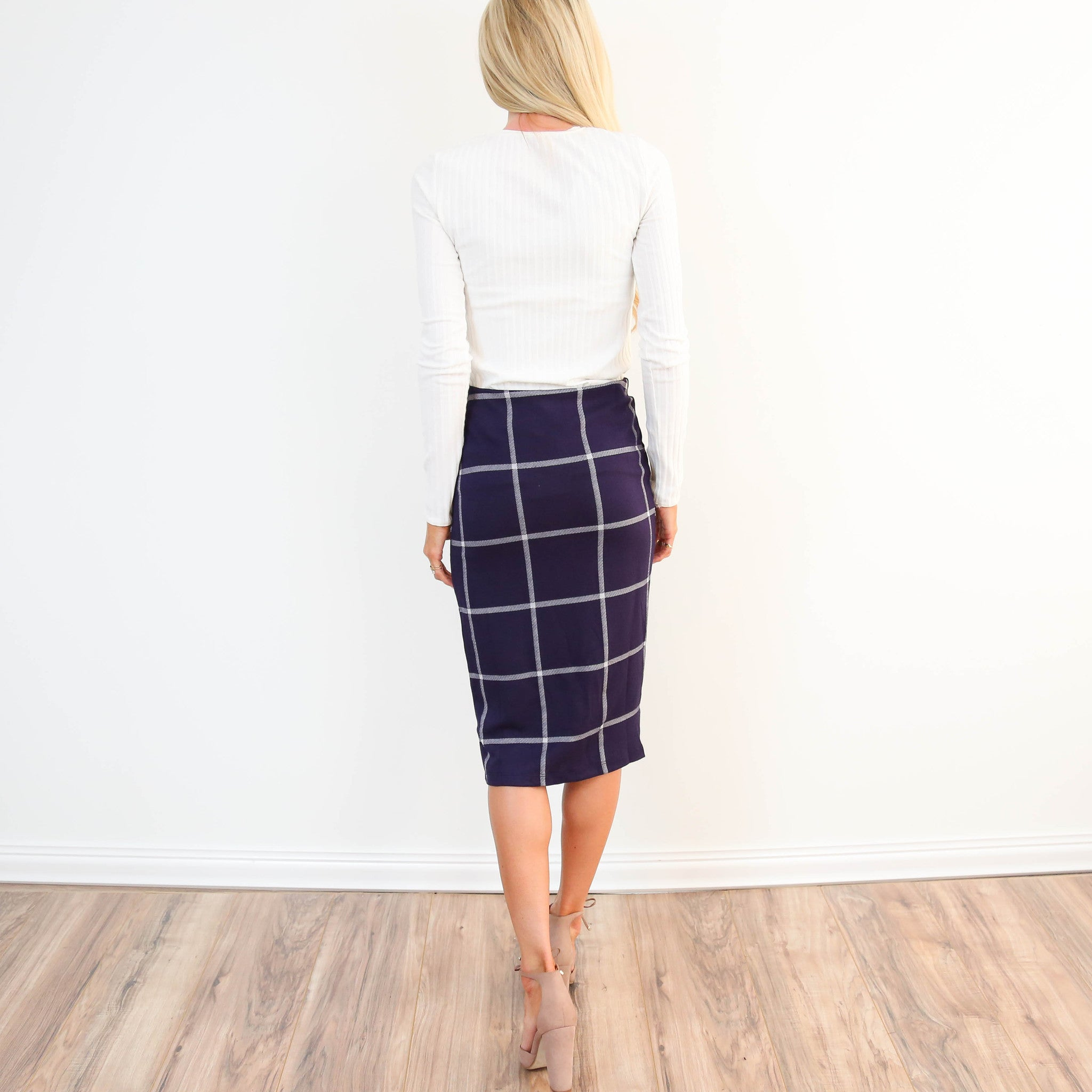 Woven Plaid Midi Skirt in Navy