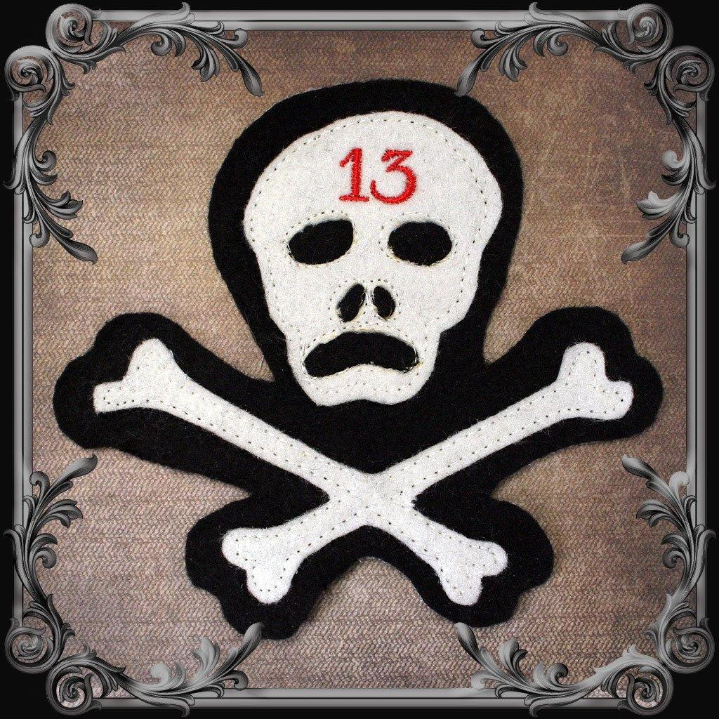 Cut & Sewn Skull & Crossbones 13 Patch