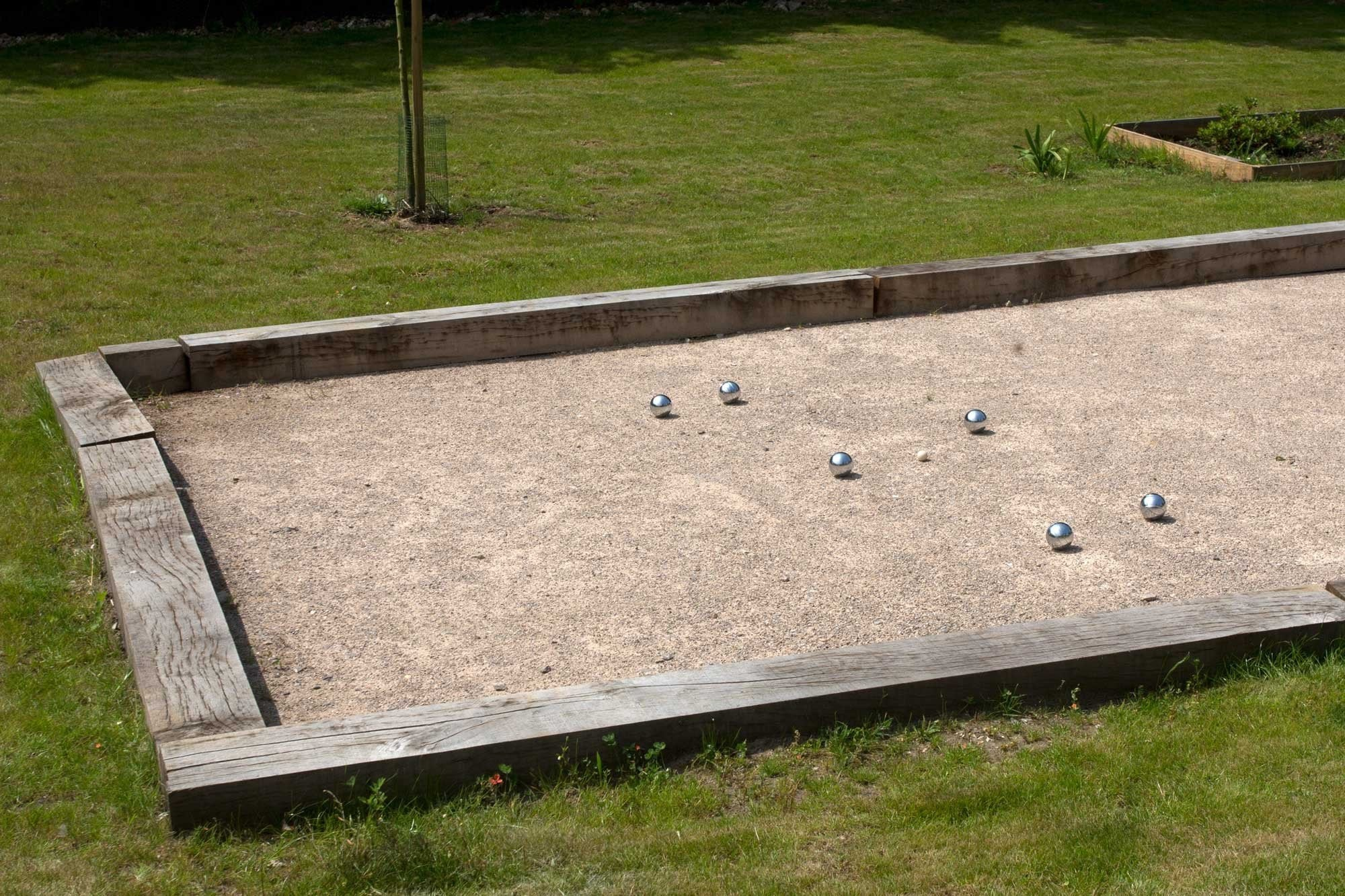 Reasons to Put a Petanque Court in your Cabin