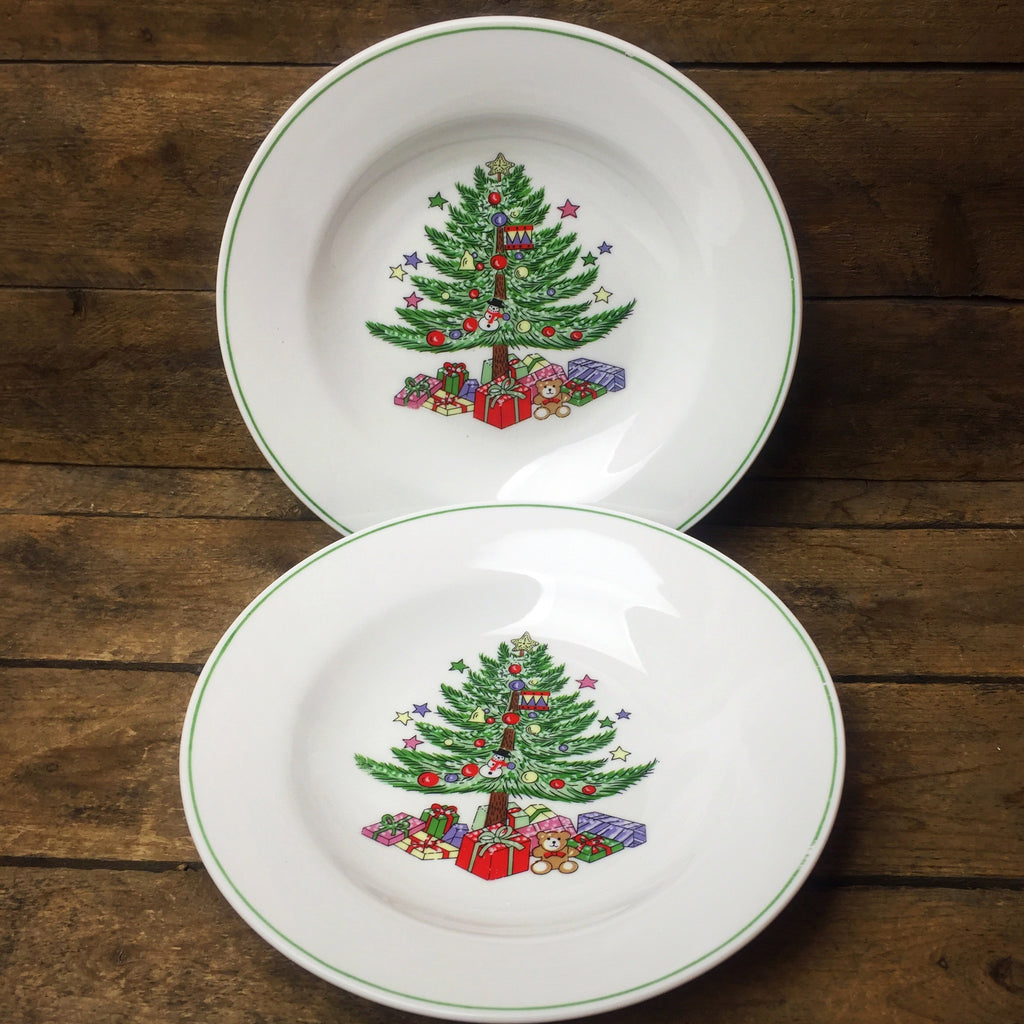 Gibson Set of 2 Christmas Bowls Christmas Tree design