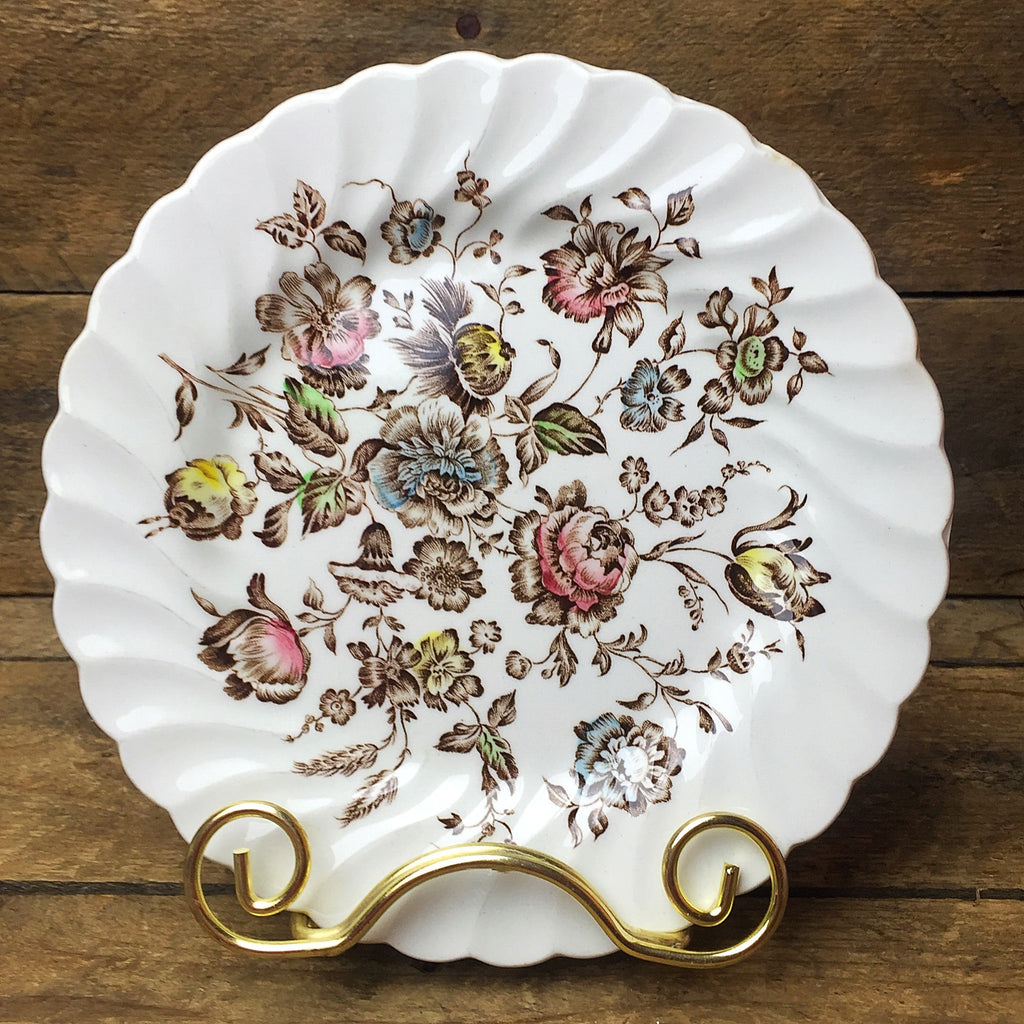 Johnson Brothers Staffordshire Bouquet Salad Plate Stone-on-Trent