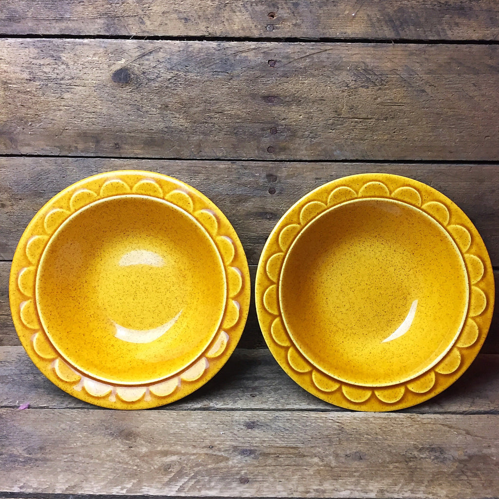 Set of 2 Coventry Castilian Homer Laughlin Gold Bowls 1974