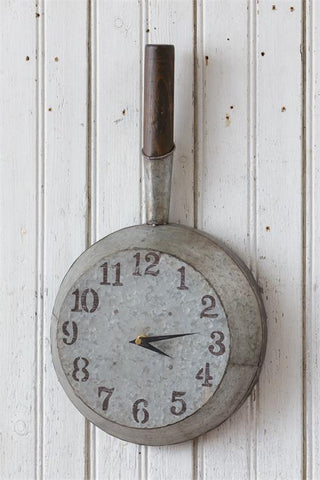 Nostalgic-style Kitchen Skillet Wall Clock